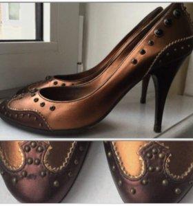 Туфли женские на каблуке 37,5-38
