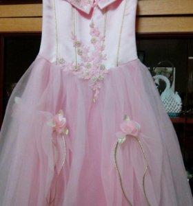 Продается платье на девочку