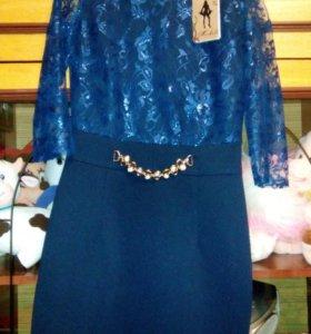 Продается платье на девочку размер 38 новое