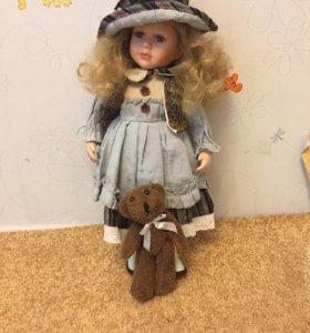 Фарфоровая кукла 43 см