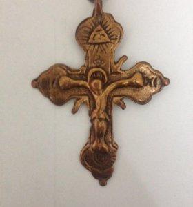 Продою крестик ручной работы очень старинный