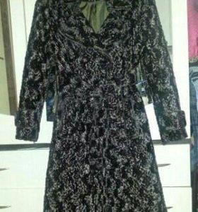 Новое пальто демисезонное каракуль
