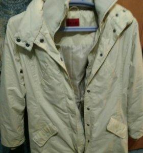 Куртка удлиненная, демисезонная.