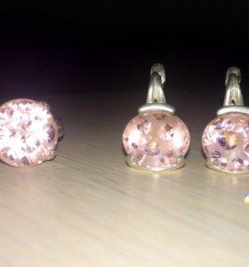 Серебряные серьги и кольцо с розовым фианитом