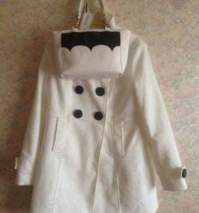 Белое пальто и белая сумка. Новые