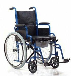 Инвалидная кресло-каталка с санитарным оснащением.