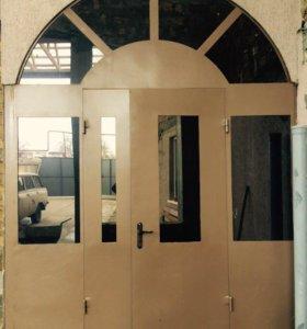 Металическая дверь с аркой