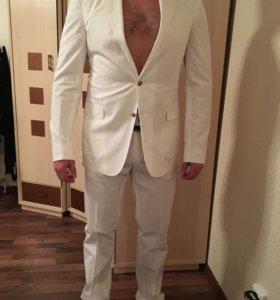 Белый костюм Strellson свадебный размер 52