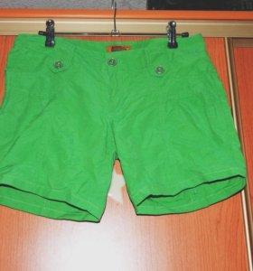 Зеленые шортики