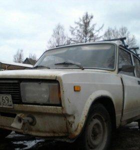 Автомобиль ВАЗ21053