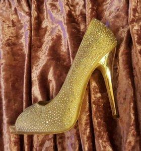 Туфли женские р-р 38