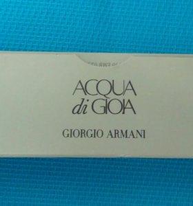 Женская туалетная вода Giorgio Armani.