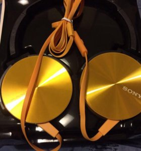 Новые наушники Sony.