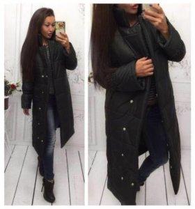 Новое, легкое демисезонное пальто