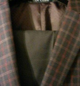 Мужской стильный костюм
