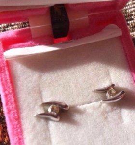 Серёжки с бриллиантом