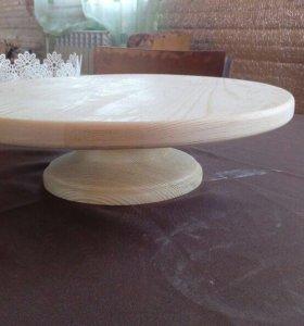 Поворотный стол для тортов.
