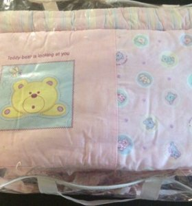 Комплект в детскую кроватку для новорожденных