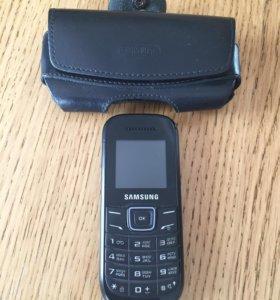 Телефон с чехлом