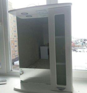 Шкаф с подсветкой и розеткой.
