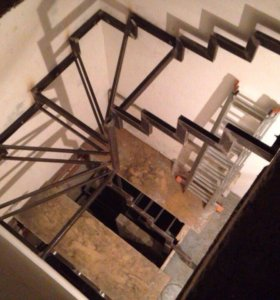 Лестницы на металическом каркасе
