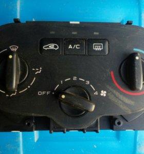 Блок управления печкой Peugeot 307