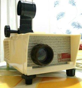 Детский фильмоскоп Знайка с галогеновой лампой