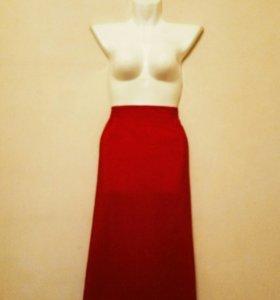 Красная юбка миди