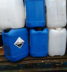 Канистры 25 литров б/у