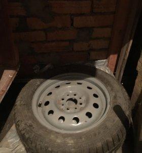 Новое колесо снятое с запаски