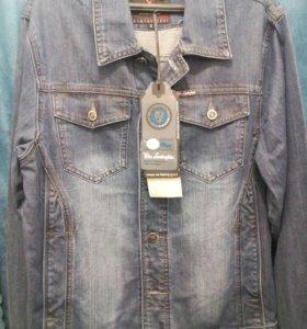 Джинсовая куртка новая размер 46