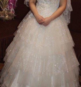 Свадебное платья и костюм