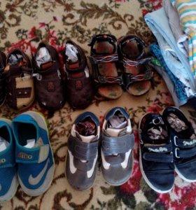Вещи и обувь на мальчика 3г