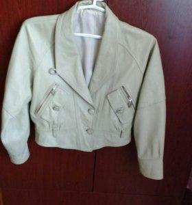Куртка женская. Размер 44-46