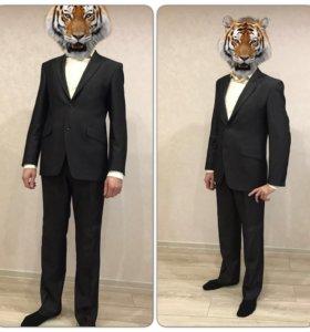 Мужской костюм одевался один раз