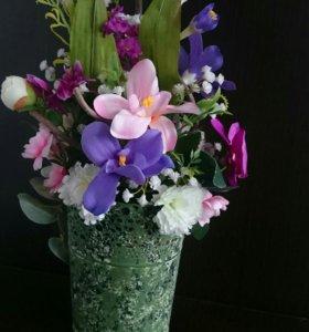 Флористическая композиция из искусственно цветов