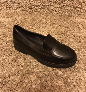 Женская обувь лоферы