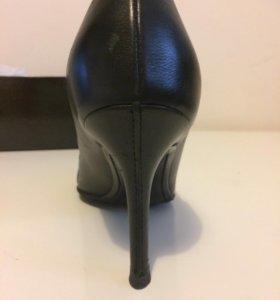 Туфли кожа. Dior размер 36,5