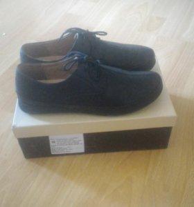 Кожаные ботинки,в идеальном состоянии