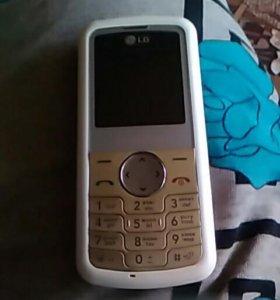 Телеыфон цветной с радио и наушниками красный на з
