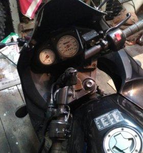 Kawasaki ninja-250R
