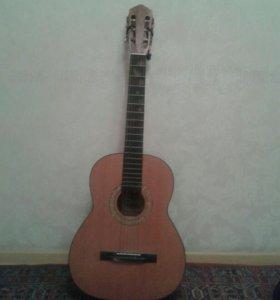 Гитара 89604063647