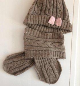 Комплект шапочка и шарфик. Весна- осень