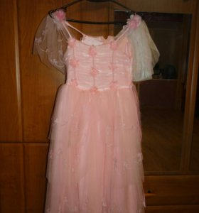 Розовое платье на 6-8 лет