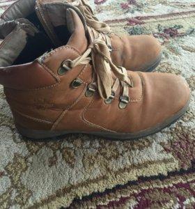 Ботинки зимние размер 38