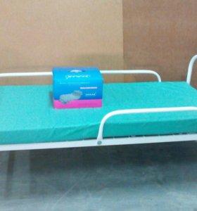 Кровать больничная  с матрасом.