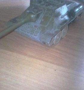 Танк Су-100 сделано в СССР