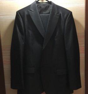 Продам костюм (классика)