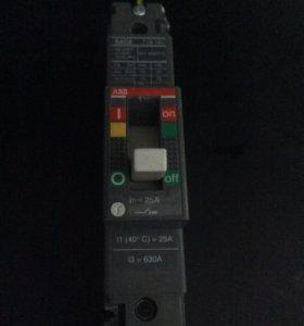Силовой автоматический выключатель 1-3 полюсной.
