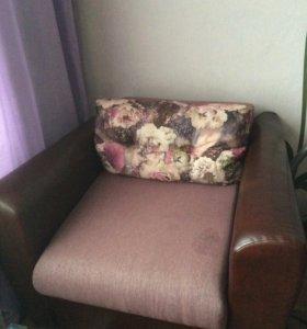 Диван и кресло-кровать.Комплект мягкой мебели